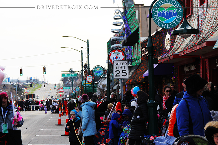 Downtown Rochester - Rochester, Michigan | 2014 Hometown Christmas Parade